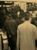 朝の地下鉄